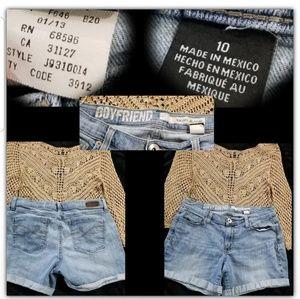 Dkny jean shorts size 10 🌞A4